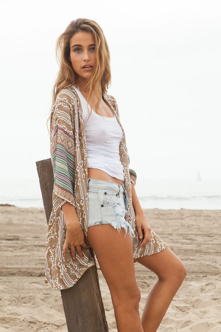 Grab some swimwear or a light cover-up dress on boohoo before heading to the beach this season! We have a wide range of beachwear in our online store.
